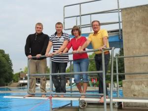 v.l.: Swen Wetzel, Florian Anders,  Tanja Timmermann (DLRG), Dieter Heilmann